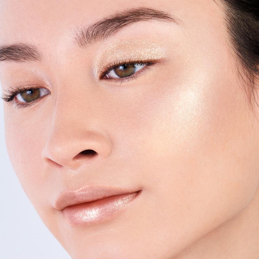 Shiseido Aura Dew 02 Solar 7g